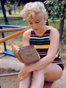 marilyn-reads-joyce